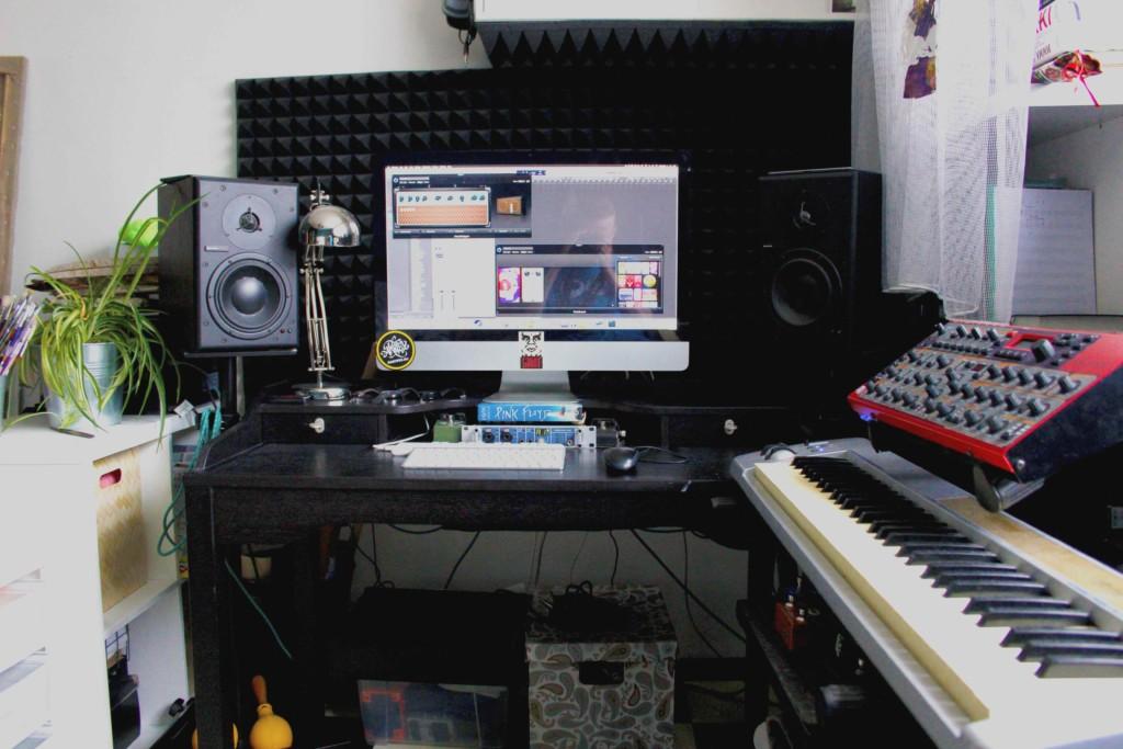 Studio_Front